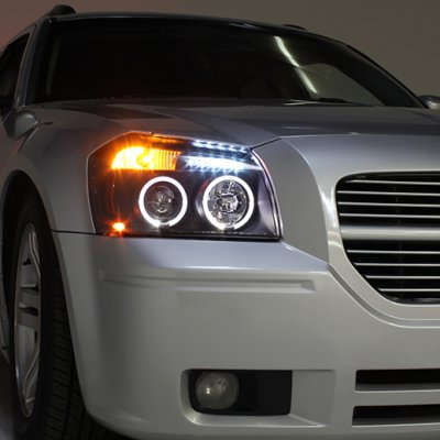 Dodge Magnum 2005-2007 Black Halo Projector Headlights with LED
