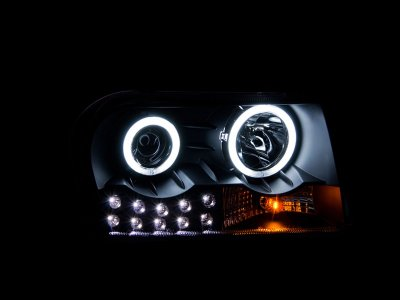 Chrysler 300 2005-2010 Black Projector Headlights with CCFL Halo and LED