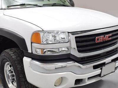 GMC Sierra 1999-2006 Chrome Headlights and Bumper Lights