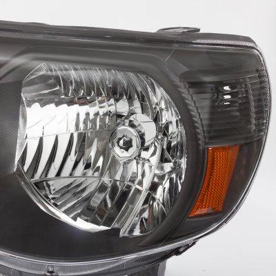 Toyota Tacoma 2005-2011 Black Headlights