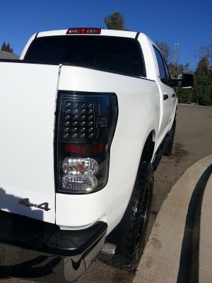 Toyota Tundra 2007-2013 Black and Clear LED Tail Lights