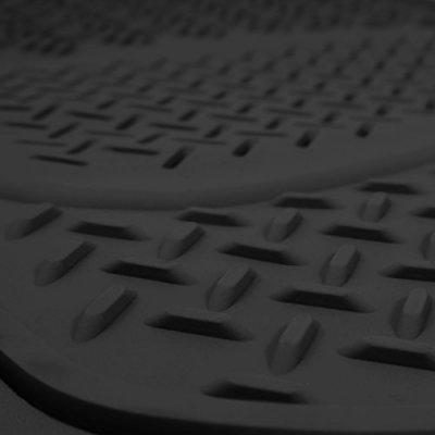 Nissan Titan 2016-2018 Black Floor Mats