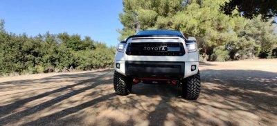Toyota Tundra 2014-2021 Black LED Quad Projector Headlights DRL Activation Level