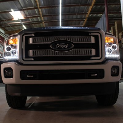 Ford F550 Super Duty 2011-2016 Smoked Halo Projector Headlights and LED Tail Lights