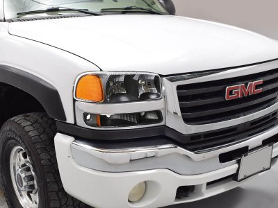 GMC Sierra 2500 1999-2004 Black Headlights and Bumper Lights